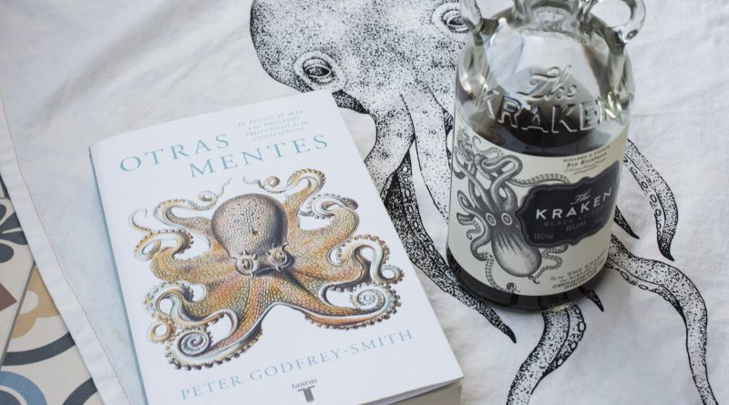 Otras mentes, de Peter Godfrey-Smith, con ron Kraken.