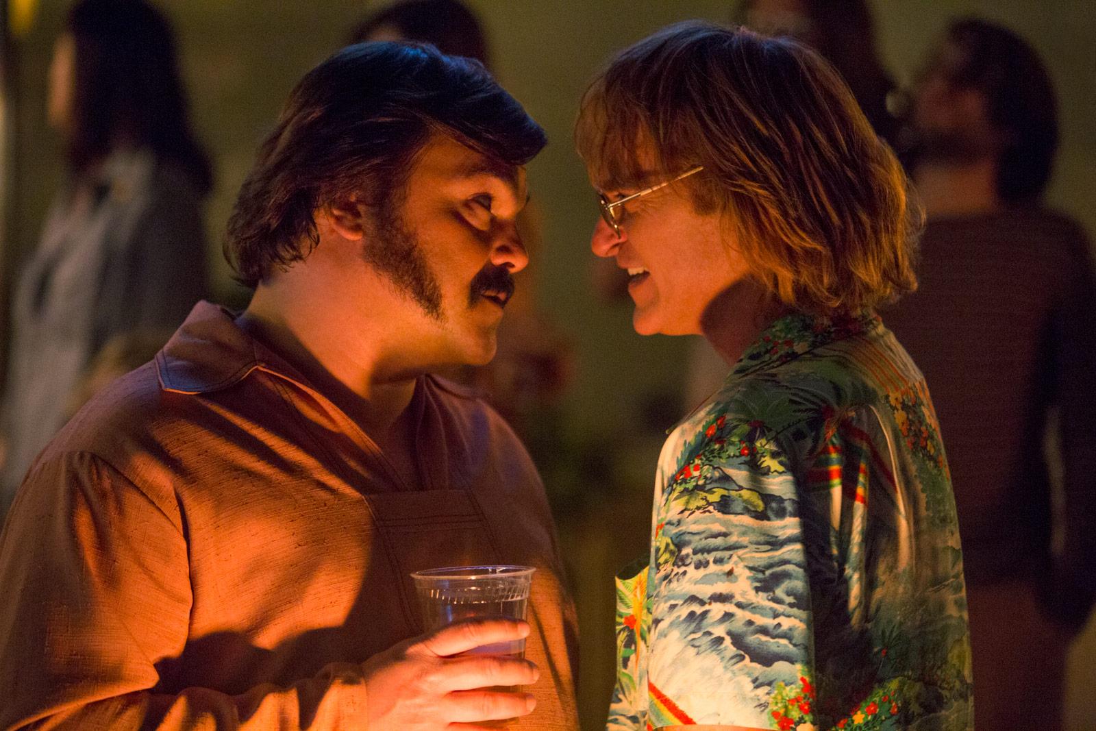 Jack Black y Joaquin Phoenix en No te preocupes, no llegará lejos a pie