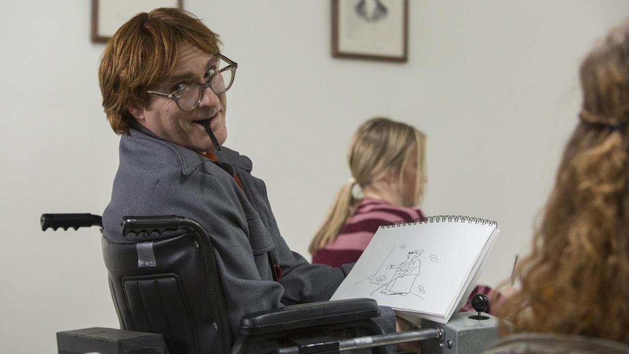 Joaquin Phoenix como el dibujante tetrapléjico John Callahan